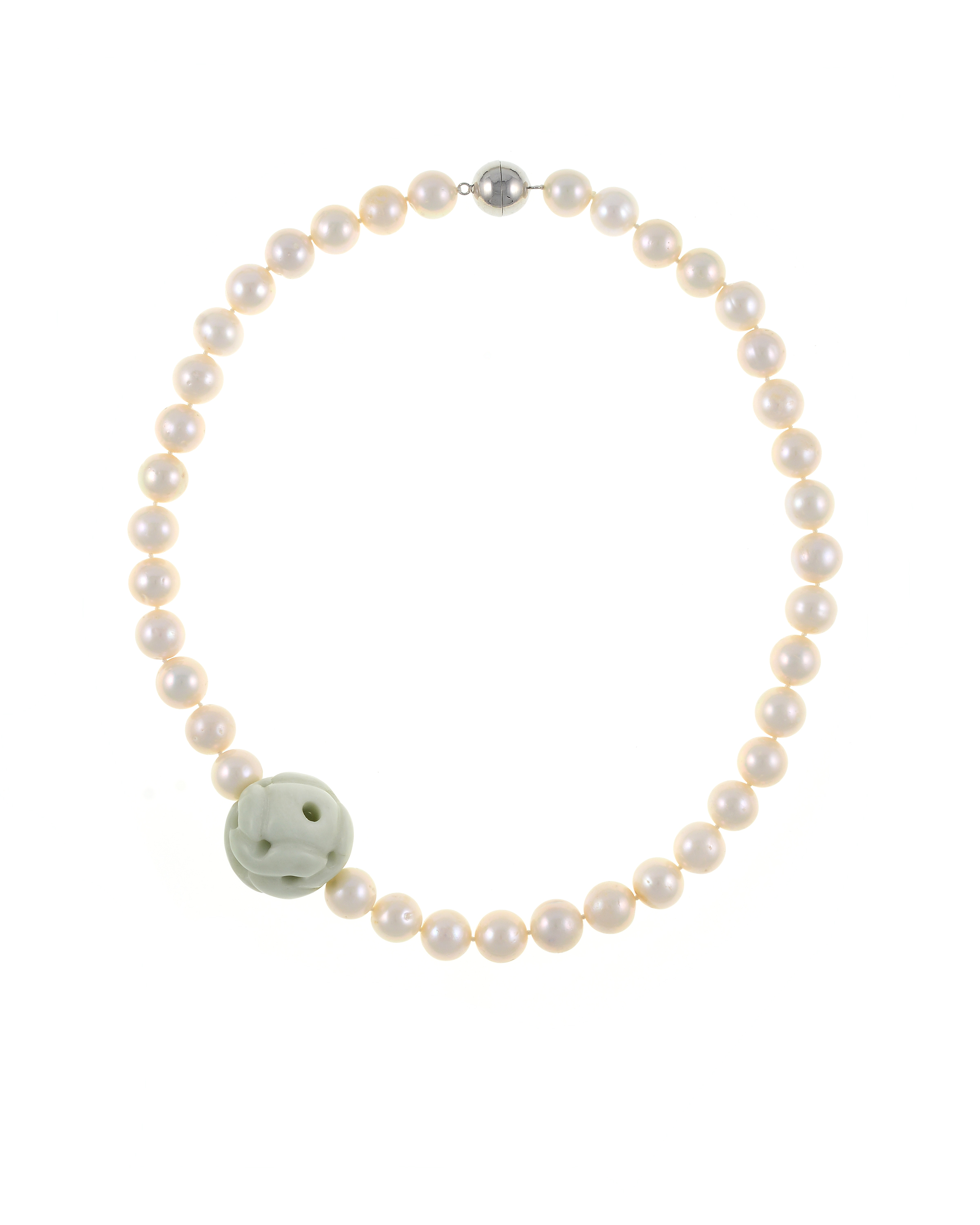 Mandalay - Pearl Necklace with Jade