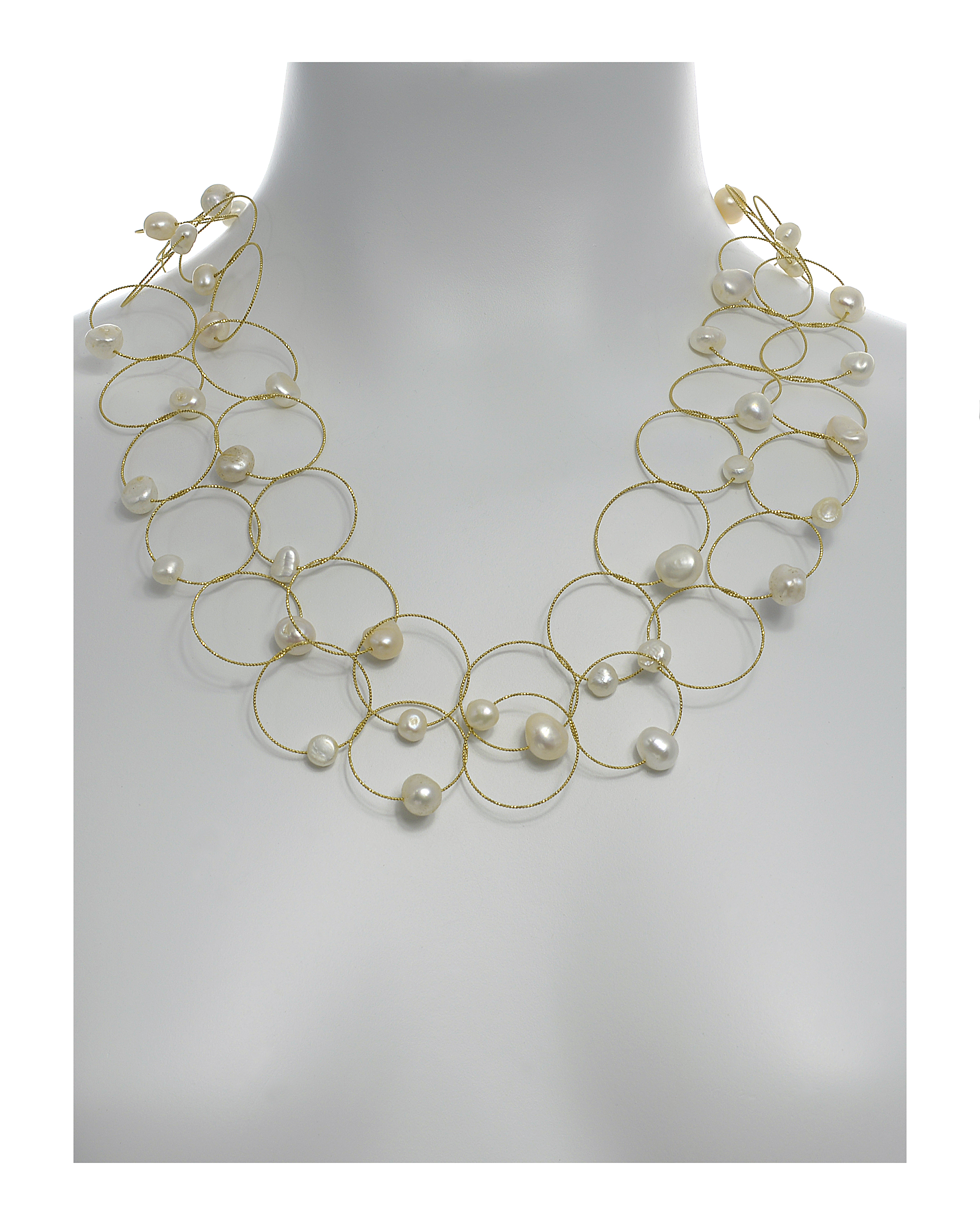 Truilli - Pearl Necklace shown on mannequin
